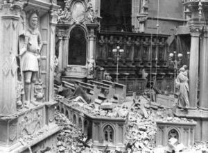 Zerstörung des Wiener Stephansdoms 1945