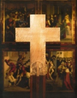 Melker Altarkreuz von Arnulf Rainer