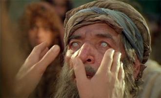 Blinde werden geheilt, auch der blinde Bartimäus.