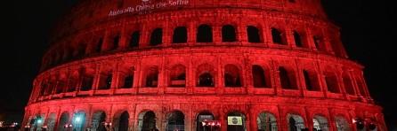 kolosseum-rom-erstrahlt-fuer-verfolgte-christen-rot_0